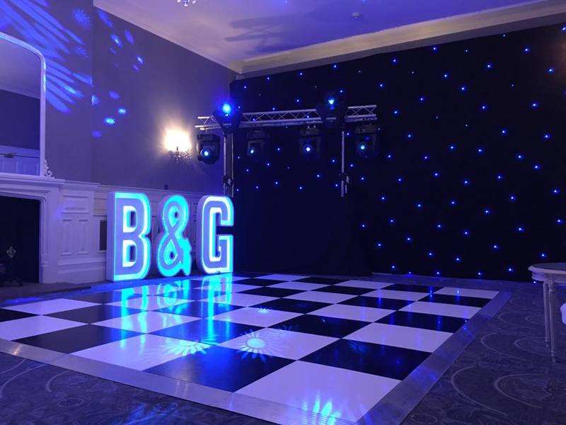 Events For U - Basingstoke Venue Decor Specialists - Mr & Mrs, LOVE